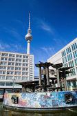 Alexanderplatz, vista sulla torre della televisione. berlino, germania — Foto Stock