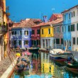 Colorful houses and canal on Burano island, near Venice, Italy. — Stock Photo