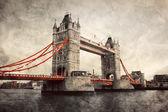 Tower Bridge in London, England, the UK. Vintage style — Stock Photo