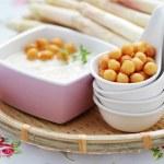 Cream of asparagus soup — Stock Photo #21707375