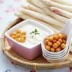 Cream of asparagus soup — Stock Photo #21707399