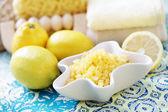 Lemon bath salt — Stock Photo