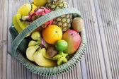 Fruits tropicaux frais — Photo