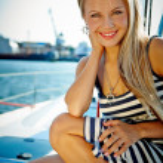 Girl on a yacht — Stock Photo