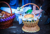 Easter basket with food in Orthodox Church. — Stock Photo