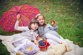Girlfriends in park — Photo