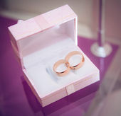Wedding rings in the box — Stock fotografie