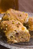 Baklava - traditionella mellanöstern söt dessert — Stockfoto