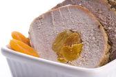 Lonza di maiale arrosto con albicocche secche — Foto Stock