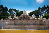 Neptune fountain at Schonbrunn palace, Vienna — Stock Photo