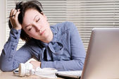 Woman sleeps on the workplace — Stock Photo