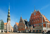 The architectural ensemble of the House of Blackheads and St.Peter Cathedral. Riga, Latvia,Europe — Stock Photo