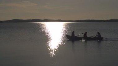 łódź w nocy — Wideo stockowe