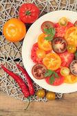 Tomate en placa — Foto de Stock