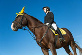 Ragazza adolescente, seduto su un cavallo — Foto Stock