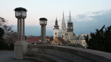 View from the Strossmayer Promenade towards Cathedral in Zagreb, Croatia. — Stock Video