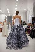 Fashion model in wedding dress — ストック写真