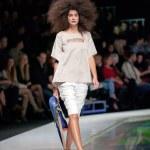 Fashion models at catwalk — Stock Photo #43550771