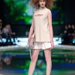 Fashion models at catwalk — Stock Photo #43550787