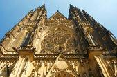 Wielki kościół rzymsko-katolicki w pradze — Zdjęcie stockowe