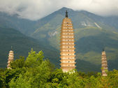 Three Pagodas in Dali. Yunnan province, China. — Stock Photo