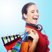 Zakupy młoda kobieta — Zdjęcie stockowe