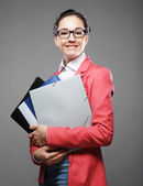 文件夹的年轻商业女人 — 图库照片