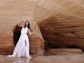 Woman in the desert — Stock Photo