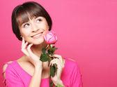 женщина с роуз — Стоковое фото