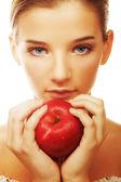 Çekici genç kadın elma — Stok fotoğraf