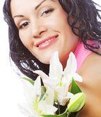 美丽的年轻女子,与花 — 图库照片