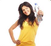 Vertrouwen sportschool vrouw met water fles glimlachen — Stockfoto