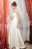 在酒店的房间构成的幸福新娘 — 图库照片