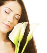 Donna con fiori di calla — Foto Stock