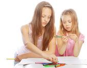 Zusters tekenen op het album — Stockfoto