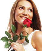 Linda mulher com rosa vermelha — Foto Stock
