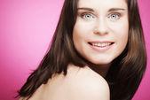 Mooie jonge vrouw gezicht. — Stockfoto