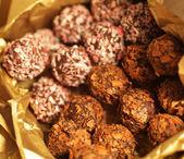 Bir kutu çikolata şekerleme — Stok fotoğraf