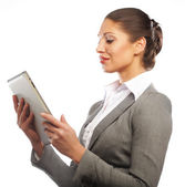 Деловая женщина использует мобильный планшетный компьютер — Стоковое фото