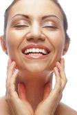 Mooie dames gezicht met schone huid — Stockfoto