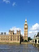 Big bena i izb parlamentu w londynie, wielka brytania. — Zdjęcie stockowe