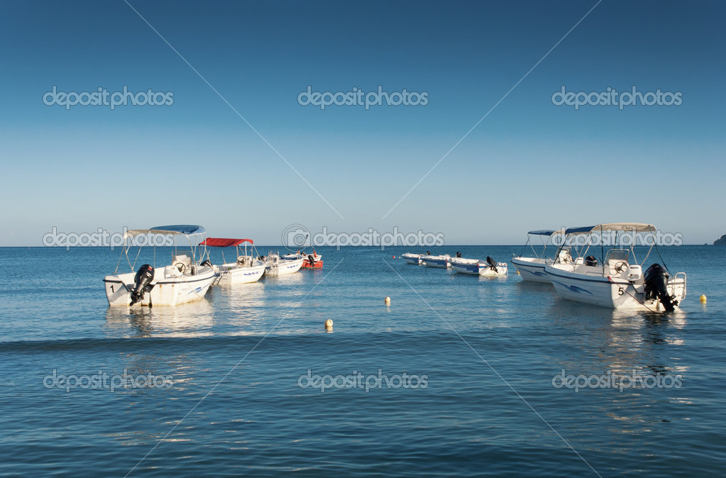 Motorboats in blue sea — Stock Photo #13683364