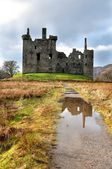 Ruins of medieval castle in Scotland — Stock Photo