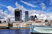 City of London and HMS Belfast warship, London — Stock Photo