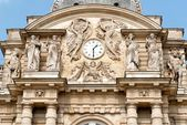 Detail from the facade of Luxemburg Palace in Paris — Stock Photo