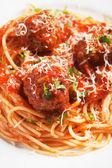 Meatballs with spaghetti pasta — Stock Photo