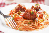 Spaghetti pasta and meatballs — Stock Photo