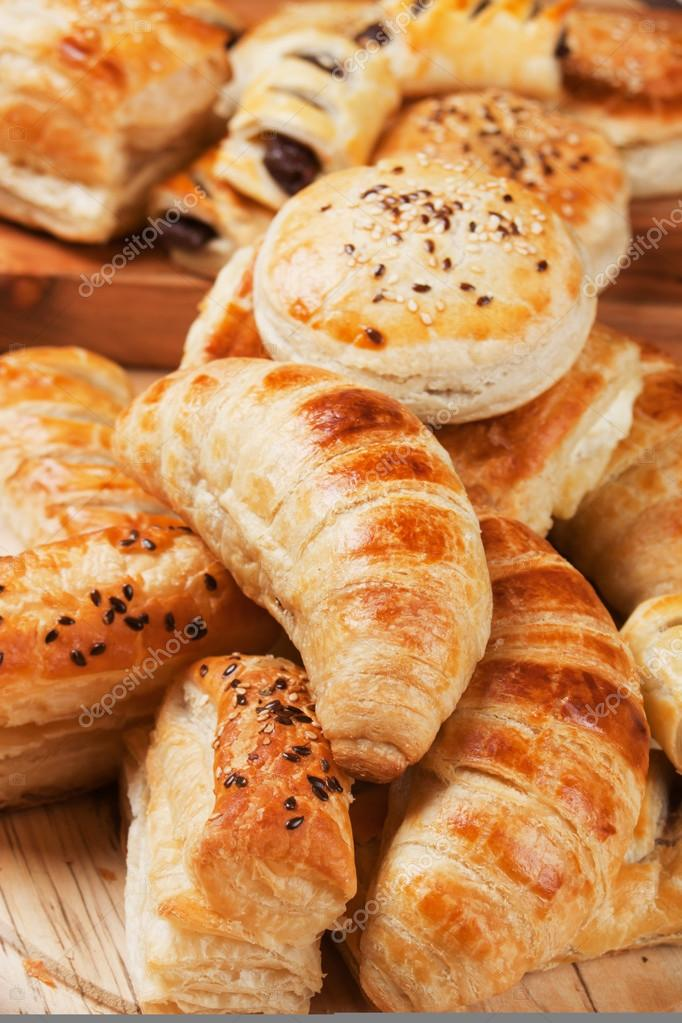 Croissant and other puff pastry — Stock Photo © igordutina ...