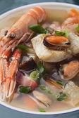 Skaldjur och vegetabiliska soppa — Stockfoto