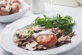 Grilled chicken breast in mushroom sauce — Stock fotografie
